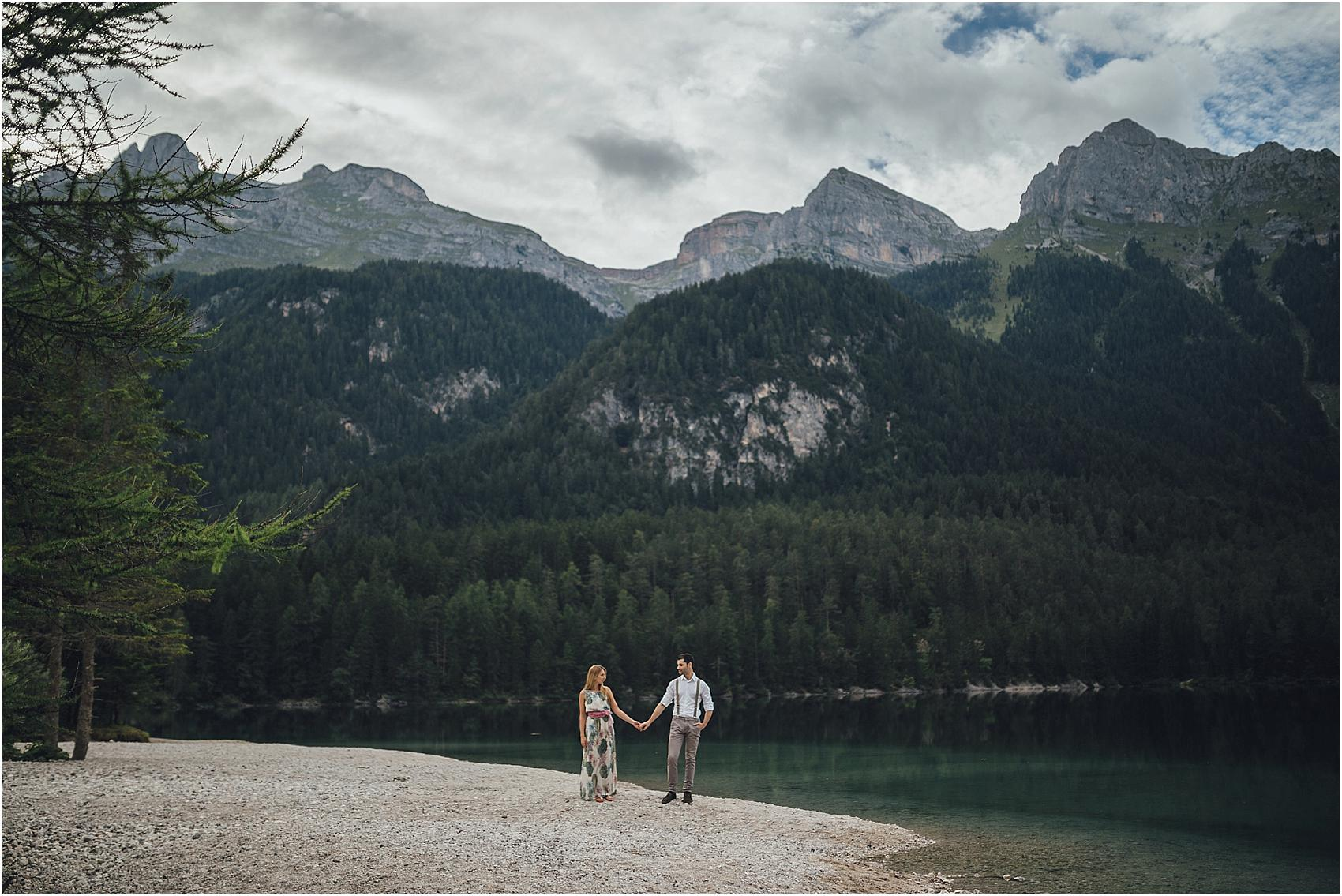 destination-wedding-photographer-engagement-on-alps-italy_0138