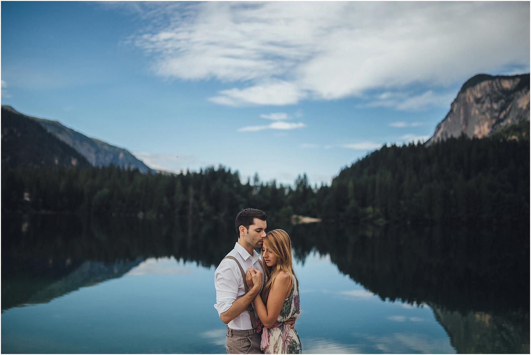 destination-wedding-photographer-engagement-on-alps-italy_0140