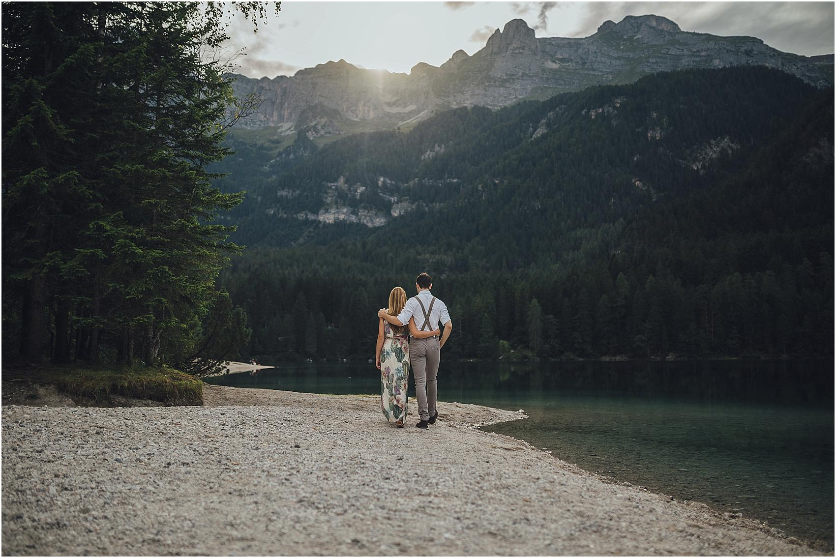 destination-wedding-photographer-engagement-on-alps-italy_0143