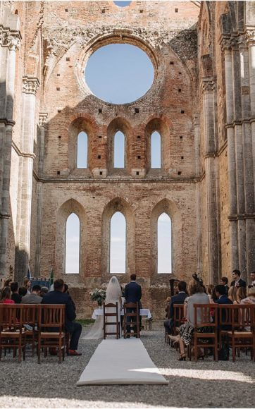 Wedding in San Galgano Abbey and Podernovo